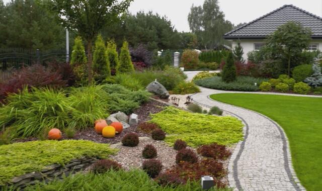 Ogród dekorowany na jesień